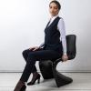 SHAE Oglio zwart Damesgilet, V-uitsnijding, 5-knoops, gevoerd, 2 paspelzakken, lengte 59 cm.